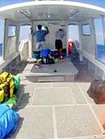 ダイビング船デッキ